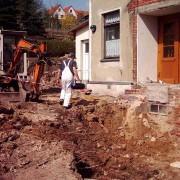 Landesk. Gemeinschaft Hohenstein-Ernstthal 2003 - Umbau und Neubau: Fundament für Anbau entsteht
