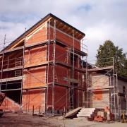 Landesk. Gemeinschaft Hohenstein-Ernstthal 2003 - Umbau und Neubau: Das Dach ist komplett